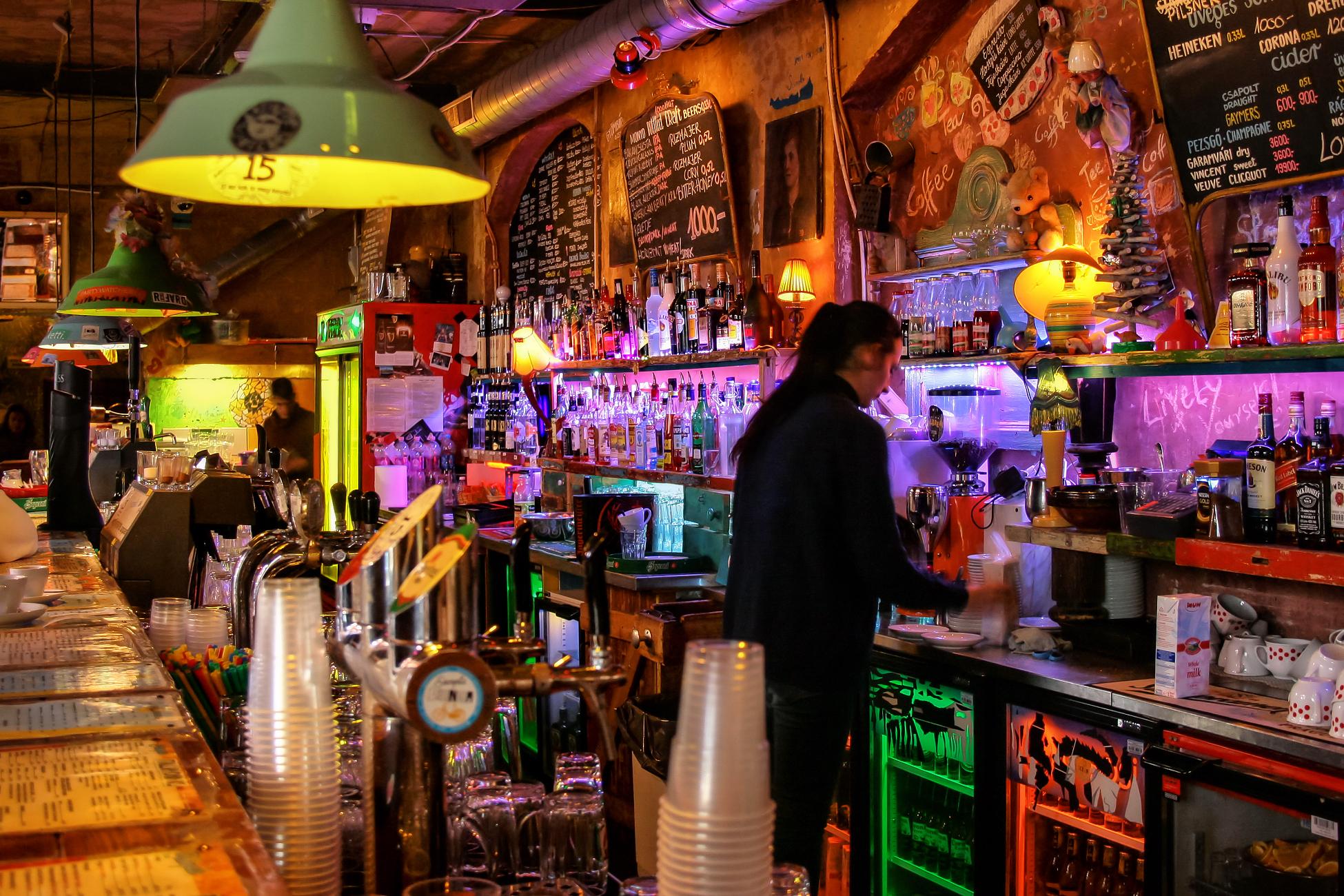 Kết quả hình ảnh cho ruin bar in budapest