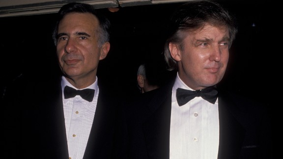 NEW YORK CITY - MARCH 13:  Carl Icahn and Donald Trump attend Starlight Foundation Gala on March 13, 1990 at the New York Hilton Hotel in New York City. (Photo by Ron Galella/WireImage)