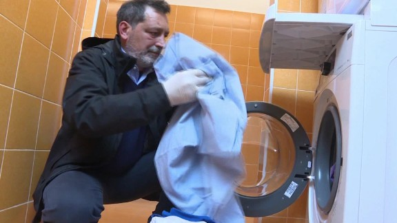 rome pope francis opens free laundromat for the poor gallagher pkg_00010315.jpg