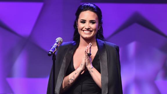 Pop star Demi Lovato has been vocal about her experiences with bulimia and mental health issues, and she uses her platform to criticize body-shaming and unrealistic norms for women. The artist regularly promotes #NoMakeUpMonday on social media.