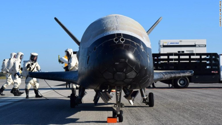 Mysterious space plane lands in Florida