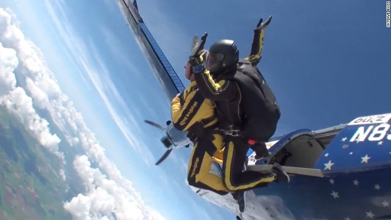 101-year-old skydiver sets world record