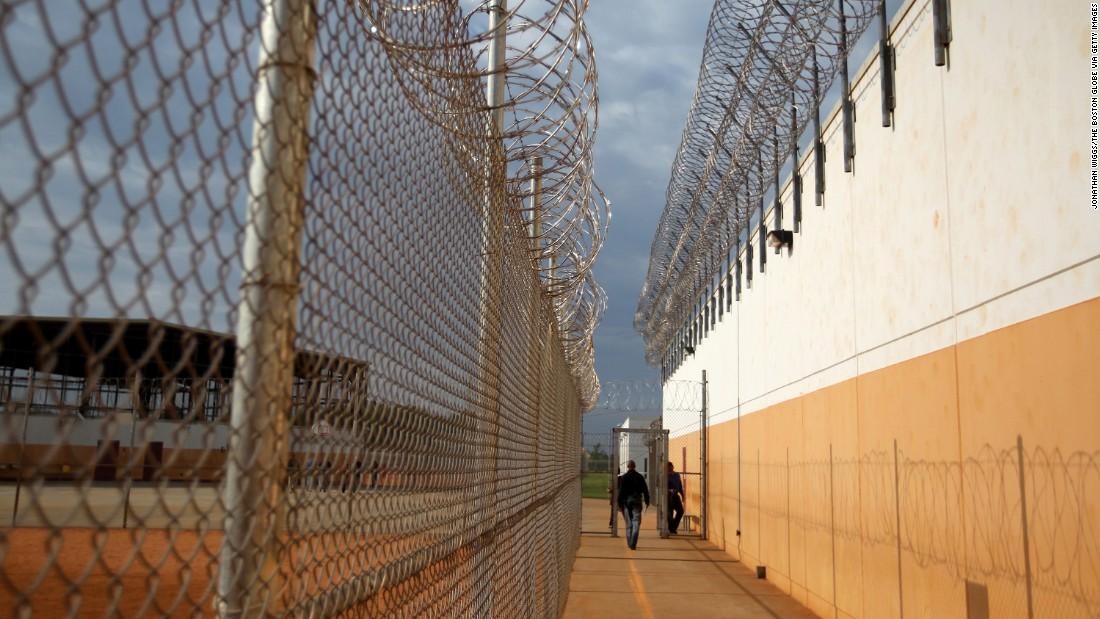 immigrant detainee dies in ice custody