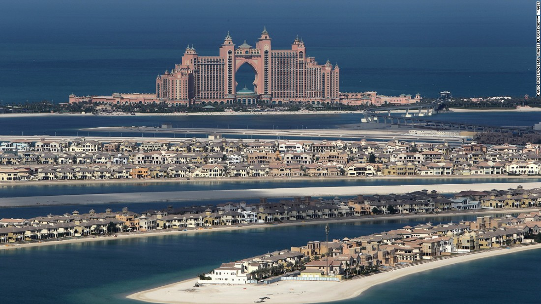 The Atlantis Hotel overlooks the Palm.