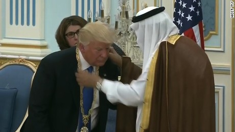 Trump called a hypocrite for Saudi King bow