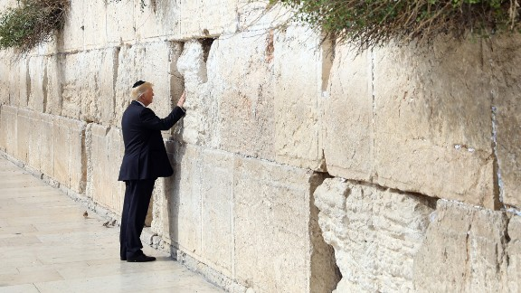 Trump touches the Western Wall, Judaism