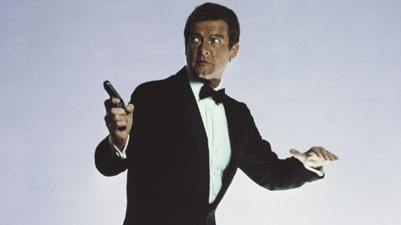English actor Roger Moore stars as 007 in the James Bond film 'For Your Eyes Only', March 1981. (Photo by Keith Hamshere/Getty Images)