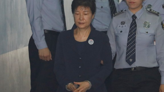 South Korean ousted leader Park Geun-hye arrives at a court in Seoul on May 23, 2017.