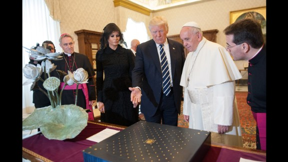 Trump and the Pope exchange gifts. Trump presented the Pope with a first-edition set of Martin Luther King