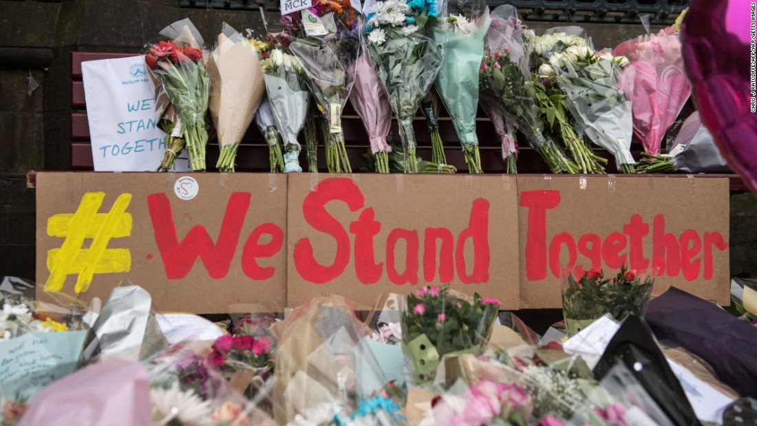 Manchester attack: Hundreds gather to remember victims