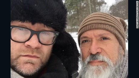 United apologizes for accusing gay father of touching his