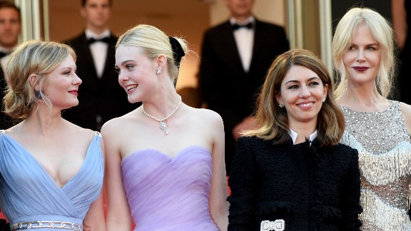 """CANNES, FRANCE - MAY 24:  (L-R) Actors Colin Farrell, Kirsten Dunst and Elle Fanning, director Sofia Coppola and actor Nicole Kidman attend """"The Beguiled"""" premiere during the 70th annual Cannes Film Festival at Palais des Festivals on May 24, 2017 in Cannes, France."""