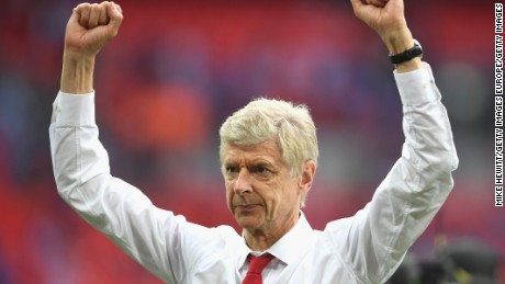 LONDON, ENGLAND - MAY 27:  Arsene Wenger, Manager of Arsenal celebrates after during The Emirates FA Cup Final between Arsenal and Chelsea at Wembley Stadium on May 27, 2017 in London, England.  (Photo by Mike Hewitt/Getty Images)