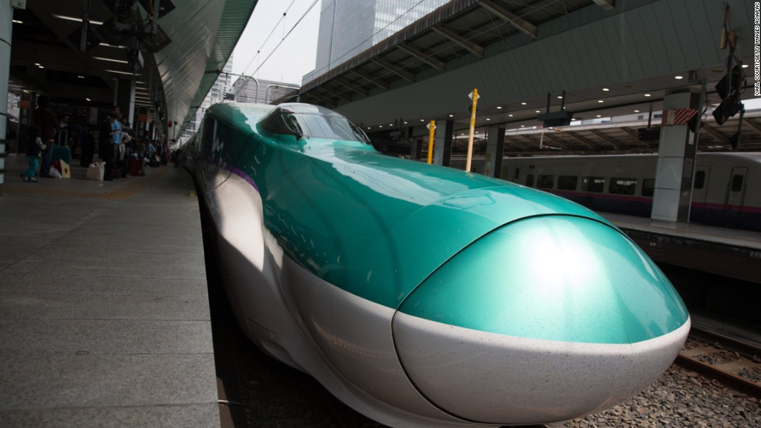 Looking like something out of Star Wars, Japan's high-speed bullet trains run on the Shinkansen network, which stretches across 2,740 km. They can hit speeds of 320 km/h.