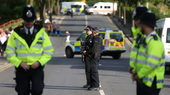 Manchester authorities warned that everyone going to the concert would be searched, and the presence of armed police would be visible inside and outside the venue.