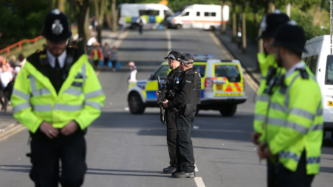 Manchester authorities warned that everyone going to the concert would be searched, and the presence of armed police would be visible inside and outside the venue.<br />
