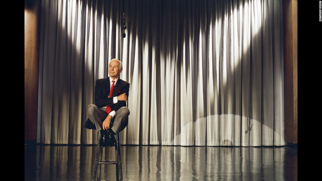 "After nearly three decades of entertaining, Johnny Carson signed off as the host  of ""The Tonight Show,"" with the final episode airing on May 22, 1992. The finale concluded with Carson bidding fans a ""very heartfelt good night,"" as he choked back tears."