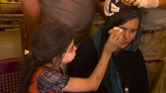 iraq escaping isis children mosul damon pkg_00043019.jpg