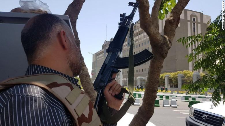 Khaskhabar/ईरान की उत्तर-पश्चिमी सीमा के पास शुक्रवार को अज्ञात बंदूकधारियों