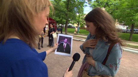 Moscow residents react to Comey hearing sebastian lok_00004321