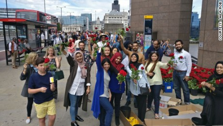 A group of more than a dozen volunteers handed out 3,000 roses near the London Bridge.