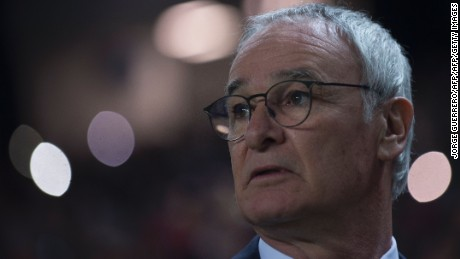 Leicester City's Italian coach Claudio Ranieri looks on before the UEFA Champions League round of 16 second leg football match Sevilla FC vs Leicester City at the Ramon Sanchez Pizjuan stadium in Sevilla on February 22, 2017. / AFP / JORGE GUERRERO        (Photo credit should read JORGE GUERRERO/AFP/Getty Images)