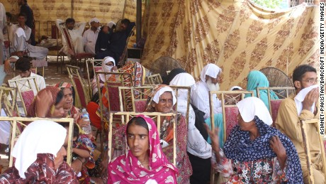 Heat stroke patients seek relief in Karachi, Pakistan, in 2015. That year's heat wave claimed over 4,000 lives in Pakistan and India.