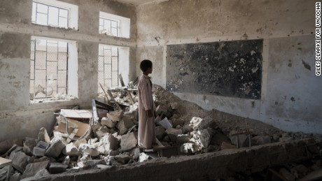 Aal Okab School in Saada City was destroyed during the conflict. Pupils are now taught in tents.