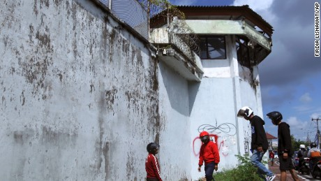 Four foreign prisoners escaped from Bali's Kerobokan prison Monday.
