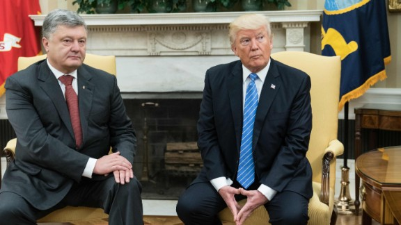 US President Donald Trump meets with his Ukrainian counterpart Petro Poroshenko in the Oval Office at the White House in Washington, DC, on June 20, 2017. (NICHOLAS KAMM/AFP/Getty Images)