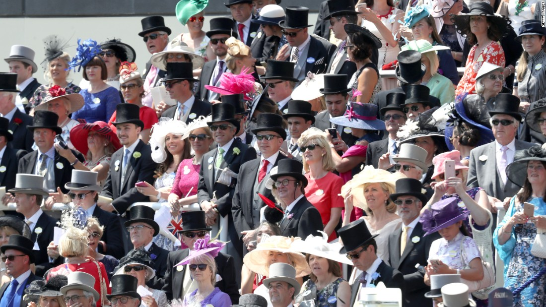 Racegoers are obliged to dress up for the occasion, particularly in the Royal Enclosure where top hats and tails for men are compulsory.