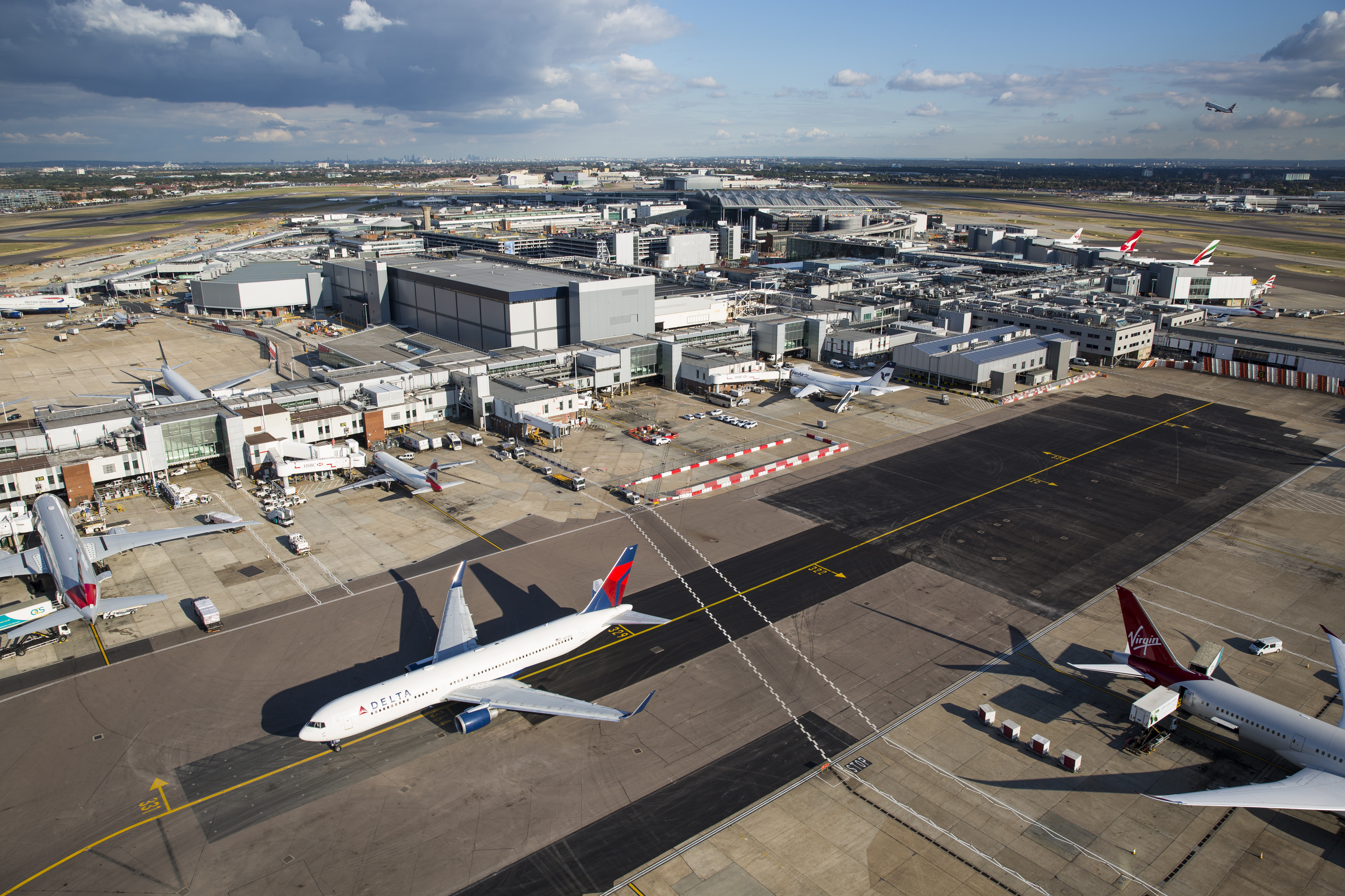 Which London Airport Do I Pick Heathrow Gatwick Stansted Cnn