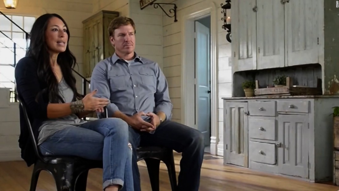 chip and joanna gaines ready to launch new 39 fixer upper 39 series cnn. Black Bedroom Furniture Sets. Home Design Ideas