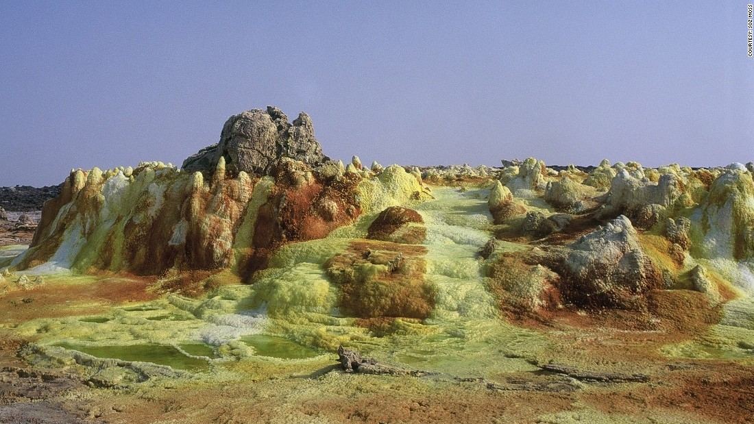 In spring 2016, scientists studied the Danakil Depression, in Ethiopia, in an attempt to understand how life could exist on Mars.