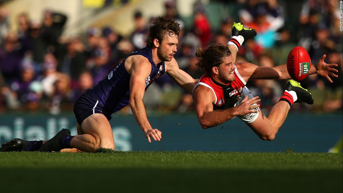 St. Kilda's Josh Bruce, right, competes against Fremantle's Joel Hamling during an Australian Football League match on Sunday, July 2.