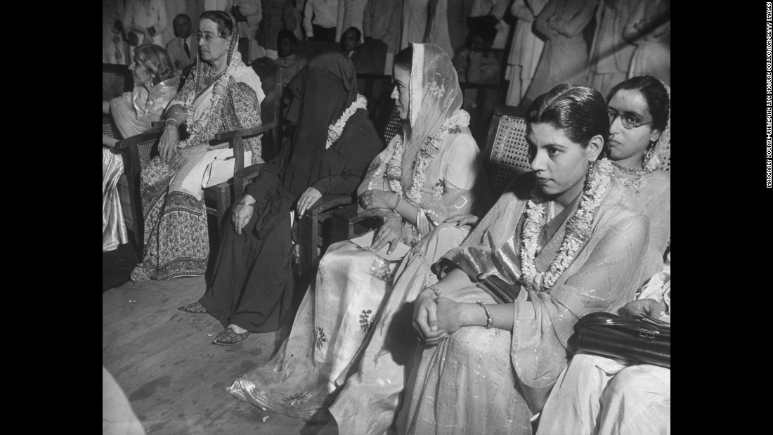 "Leading female members of the Muslim League attend a meeting on plans for India's independence in May 1946. <br /><br />Jinnah encouraged the involvement of women:<a href=""http://www.bzu.edu.pk/PJIR/eng6GhazalaButt.pdf"" target=""_blank""> ""No nation can rise to the height of glory unless your women are side by side with you."" </a>"