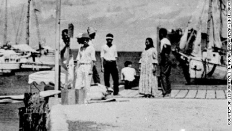 Does this blurry photo show Amelia Earhart survived her plane crash?