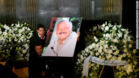 View of the funeral of Mexican painter and sculptur Jose Luis Cuevas during a ceremony in his honor at the Fine Arts Palace in Mexico City, on July 4, 2017.  Cuevas, a leader of a movement that broke with the nationalist muralists of the 1920s and 30s, died on July 3 aged 83. / AFP PHOTO / ALFREDO ESTRELLA        (Photo credit should read ALFREDO ESTRELLA/AFP/Getty Images)