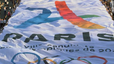 Paris makes bid for 2024 Olympic games
