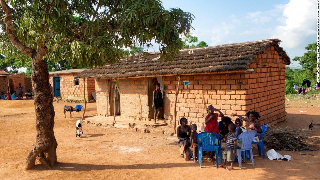 An Nzo is a typical house of Mbanza Kongo. The Portuguese also built stone buildings. The town is known for its ruins of a 16th century cathedral.