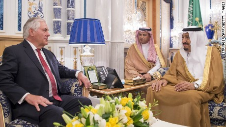 Saudi's King Salman bin Abdulaziz al-Saud (R) meets Wednesday with US Secretary of State Rex Tillerson in Jeddah.