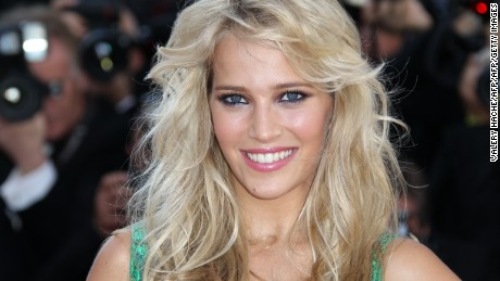 "Argentinian actress Luisana Lopilato arrives for the screening of ""Killing them Softly"" presented in competition at the 65th Cannes film festival on May 22, 2012 in Cannes.   AFP PHOTO / VALERY HACHE        (Photo credit should read VALERY HACHE/AFP/GettyImages)"