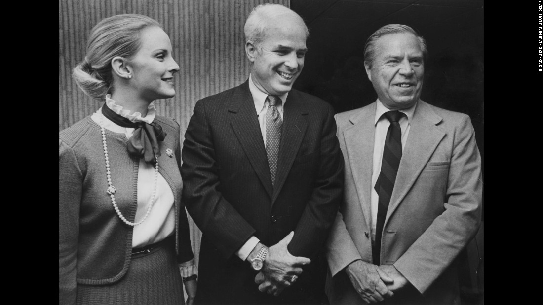 McCain, center, and his wife, Cindy, pose with US Rep. John Rhodes after McCain was elected to the House in 1982. McCain has represented Arizona ever since. In 1986, he became a US senator.