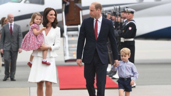 Britain's Prince William, Duke of Cambridge (R) and his wife Kate, Duchess of Cambridge (L) with their children Prince George and Princess Charlotte arrive at the airport in Warsaw, Poland, on July 17, 2017.The Duke and Duchess of Cambridge are on a first official visit to Poland. / AFP PHOTO / PAP / BARTLOMIEJ ZBOROWSKIBARTLOMIEJ ZBOROWSKI/AFP/Getty Images