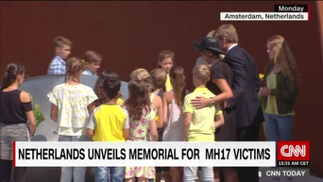 exp MH17 Memorial unveiled 3 years after tragedy _00002001