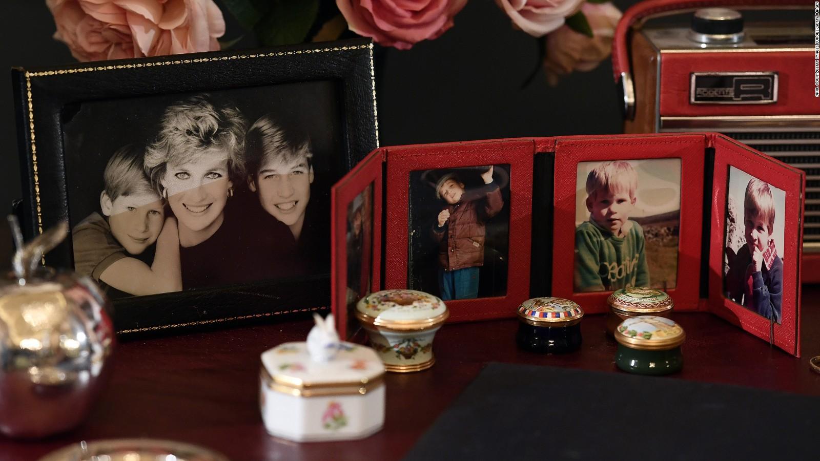 Princess Dianas Belongings Are Going on Display at Buckingham Palace