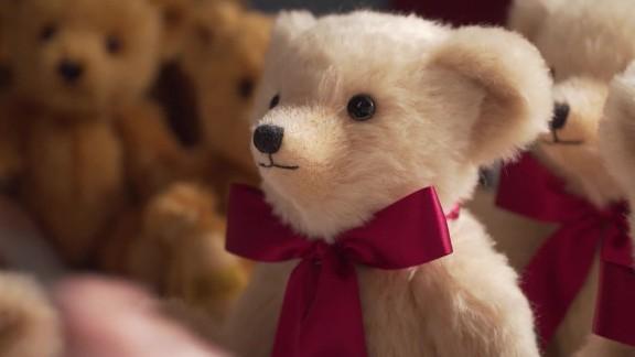 brexit teddy bears pkg dos santos_00002103.jpg