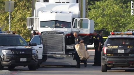 9 people dead after sweltering tractor-trailer found at San Antonio Walmart