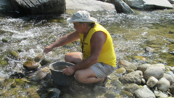 Giancarlo Rolando is the veteran gold digger.