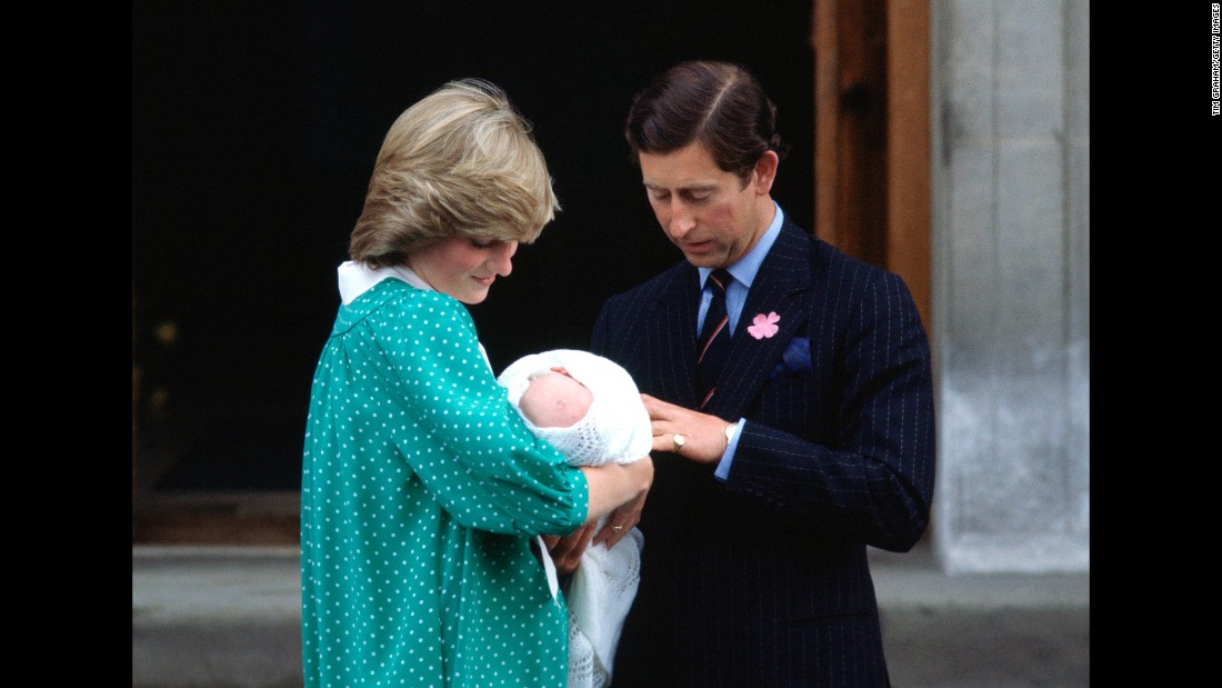 In June 1982, Diana gave birth to her first child, William.